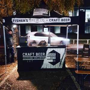Pop up in a car park ✔ head on over to @cooperscoffeebar for some xmas goodness! 🍺🍺 here from 5-8pm.