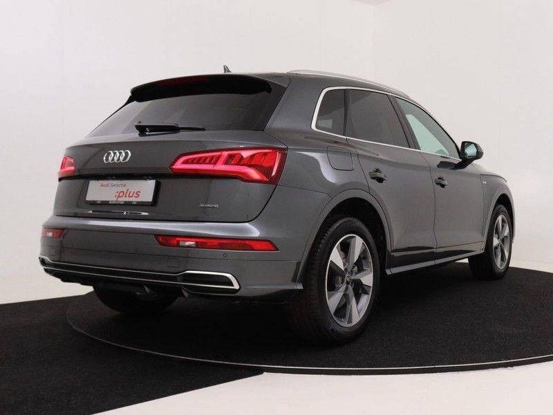Audi Q5 50 TFSI e 299 pk quattro S edition | S-Line | Trekhaak | Elektrisch verstelbare/verwarmbare voorstoelen | Privacy Glass | Verlengde fabrieksgarantie afbeelding 5