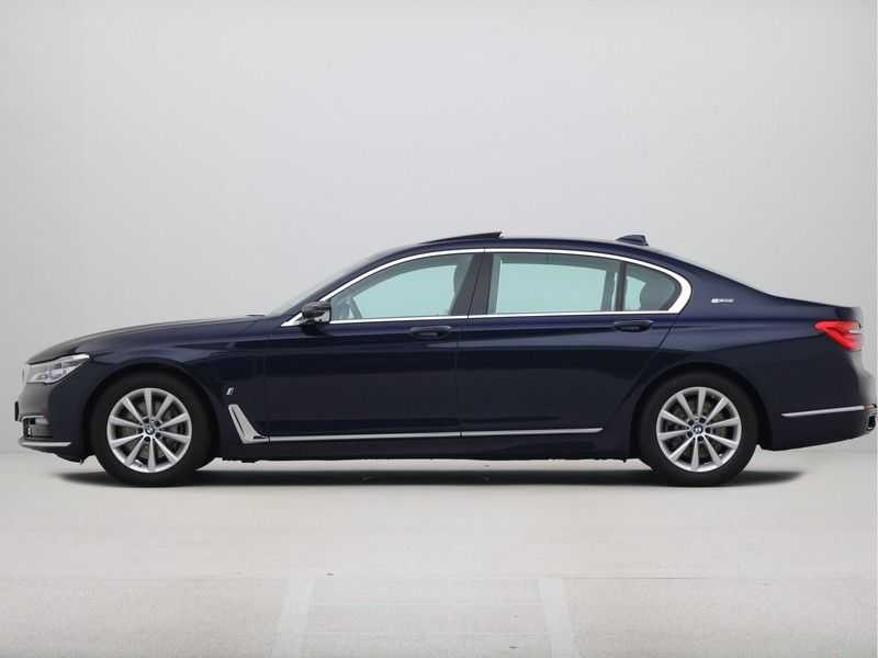 BMW 7 Serie 740Le PHEV High Executive Automaat afbeelding 12