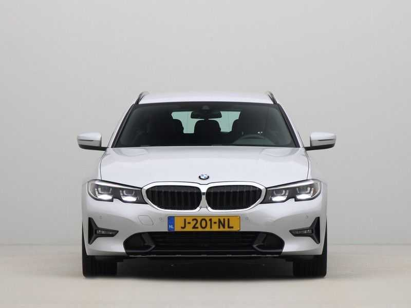 BMW 3 Serie Touring 318i High Executive Sport Line Automaat afbeelding 9
