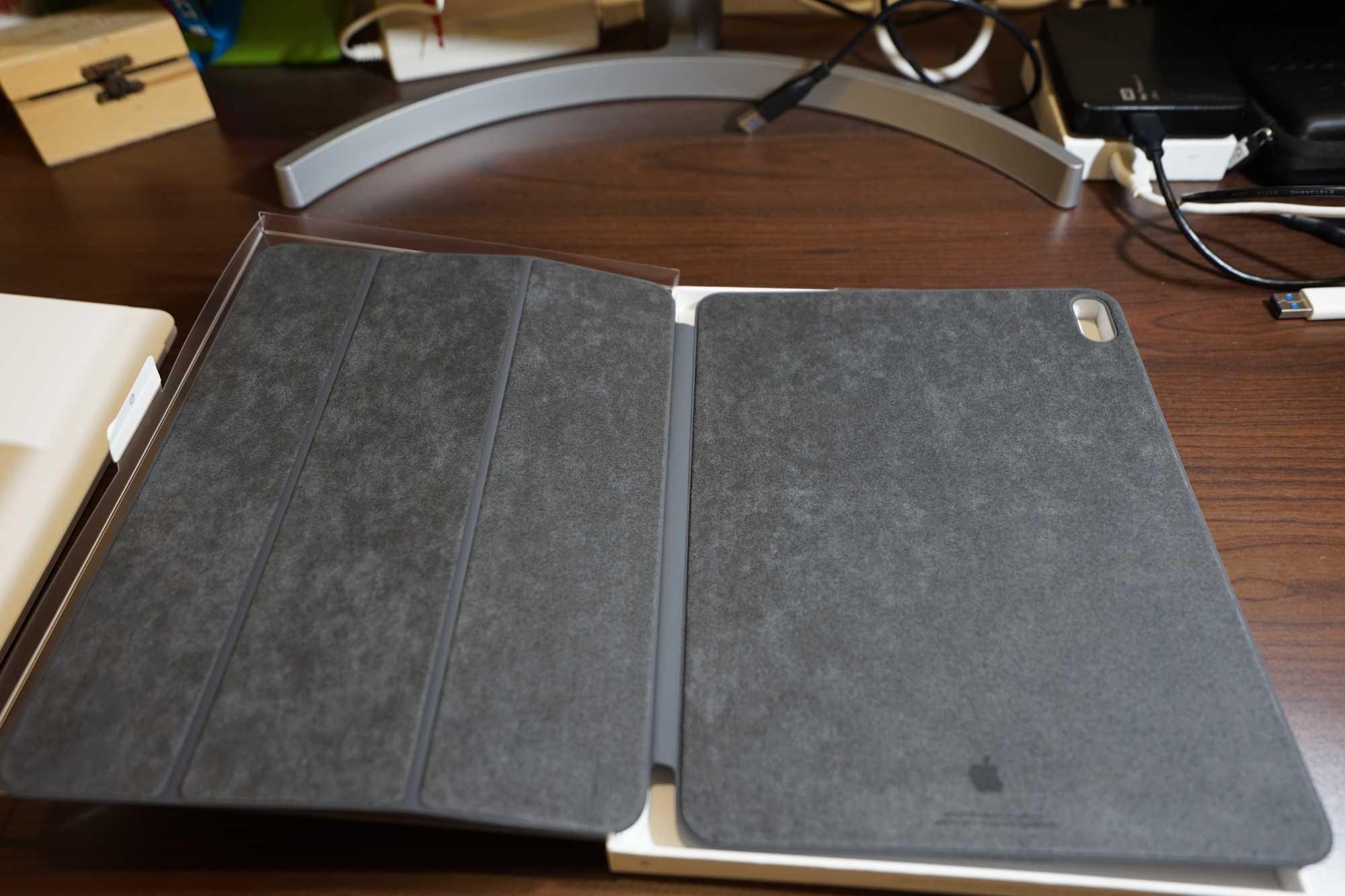 Inside Apple Smart Folio