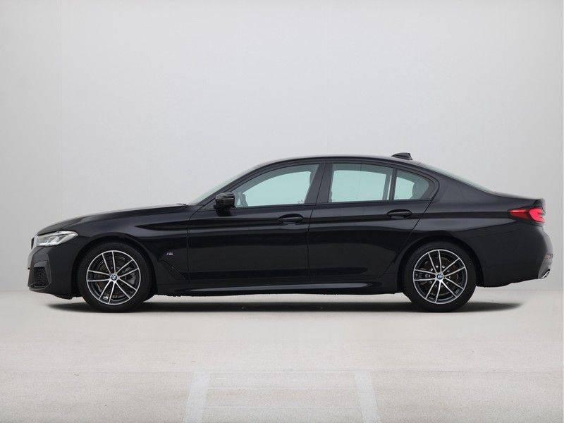 BMW 5 Serie Sedan 520i High Executive M-Sport Automaat afbeelding 12