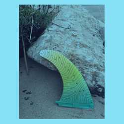 As we're mid way through the week of #plasticfreeJuly now is the perfect time to grab one of our #ecofins made from #recycledplastics and customised. #shakasurfstore Save 10% with SAVE10