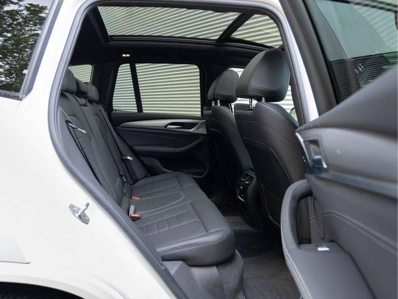 BMW X3 xDrive30i M-Sport - Trekhaak - ACC - Panorama - Head-up - Standkachel afbeelding 19