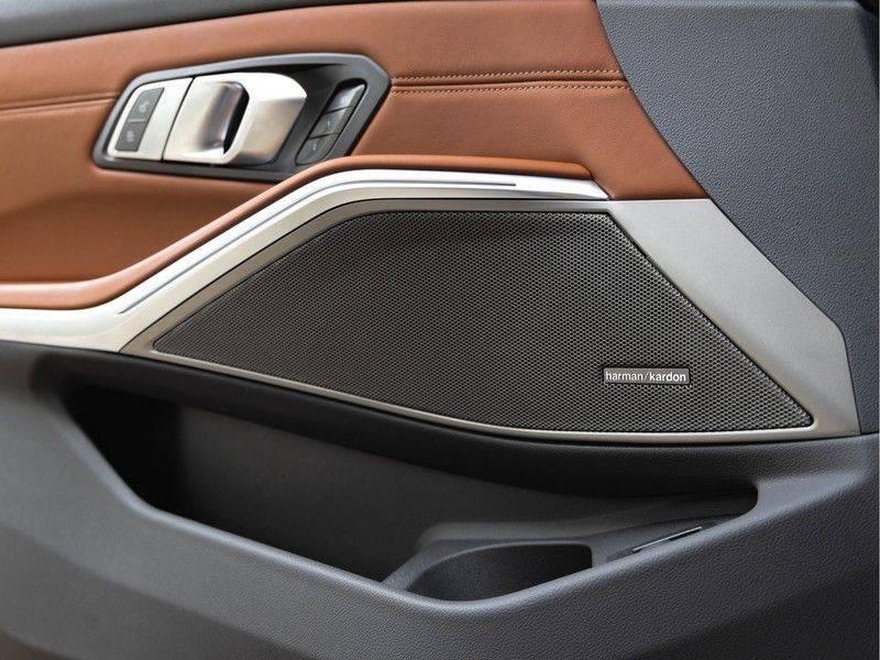 BMW 3 Serie Touring 330i M-Sport - Individual - Memoryzetel - Panorama - Trekhaak afbeelding 22