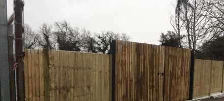 Closeboard Fencing & Vehicle Gate – East London