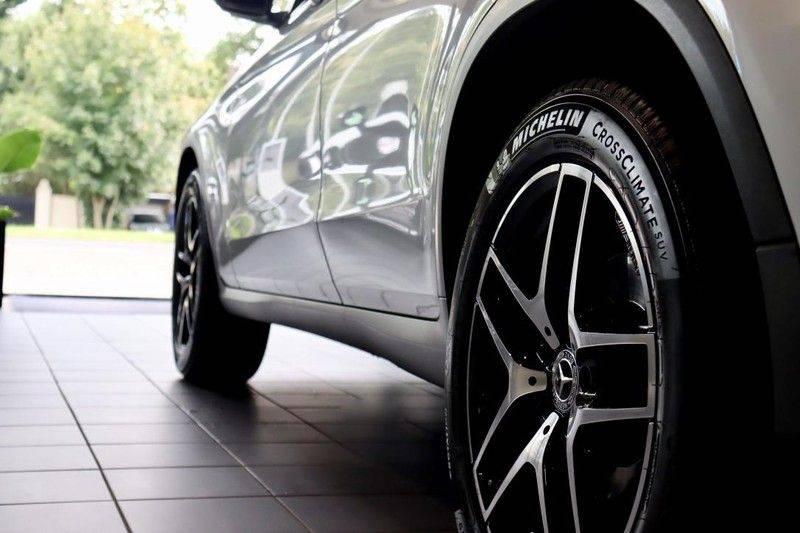 Mercedes-Benz GLC 250 4MATIC Premium Plus AMG PANO Night afbeelding 7