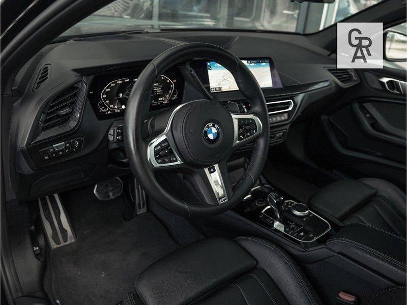 BMW 1 Serie M135i xDrive High Executive afbeelding 7
