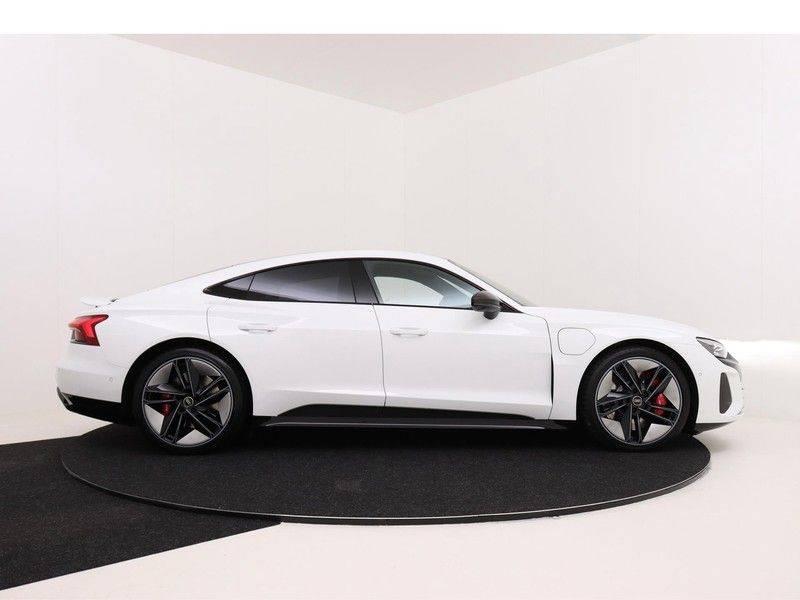 Audi e-tron GT RS   Stoelventilatie/Massage   Head-Up   Carbon   Matrix LED   360 Camera   Nachtzicht   afbeelding 9