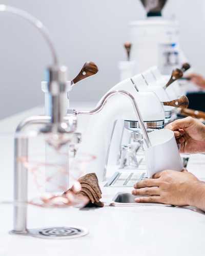 Minimizing the gap between coffee-drinkers and the coffee-making experience . . . . #☕ #whatsontapkl #plazamontkiara #montkiara #coffeeculture #coffeemovement #montkiaracafe #cafehopkl #cafekl #eatdrinkkl #malaysiancafes