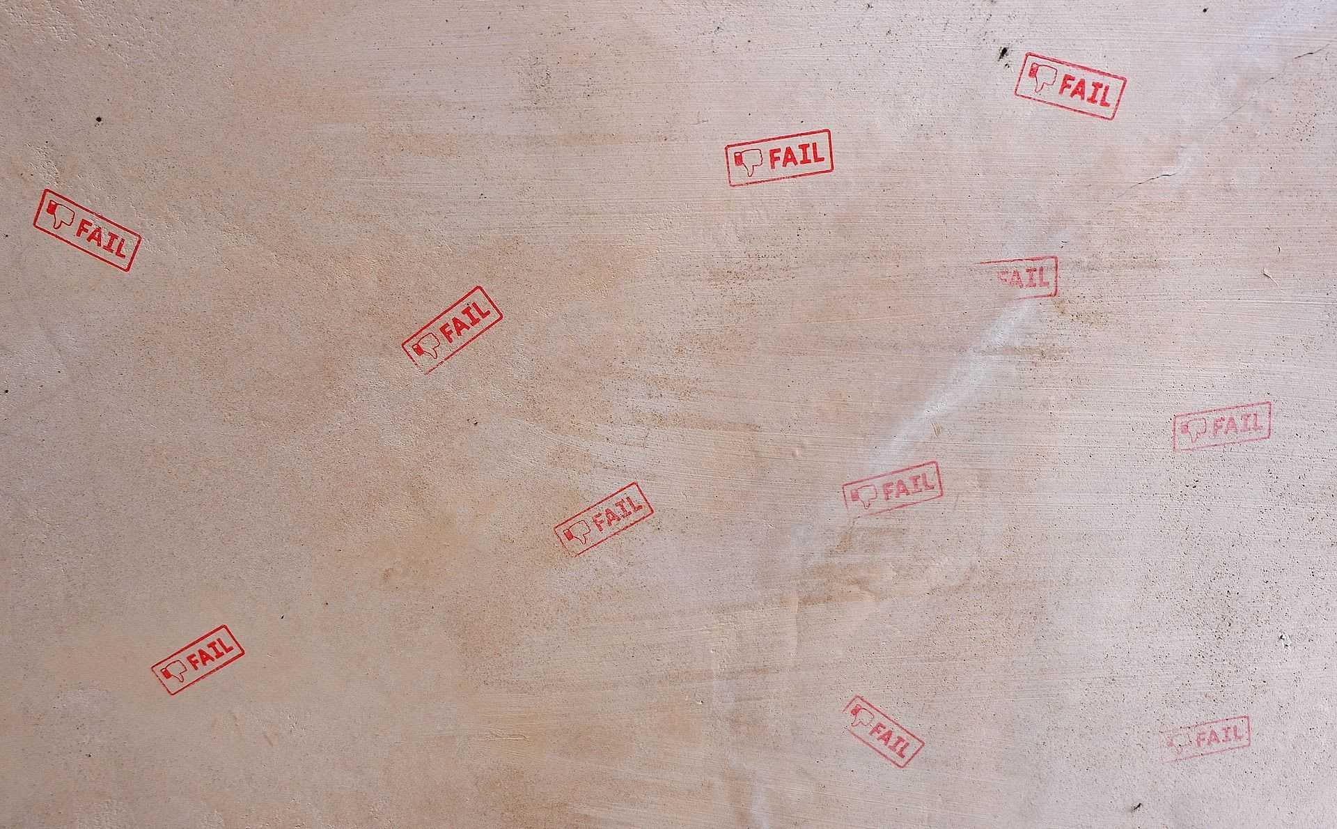 Trustul Intact se apucă de spam cover image