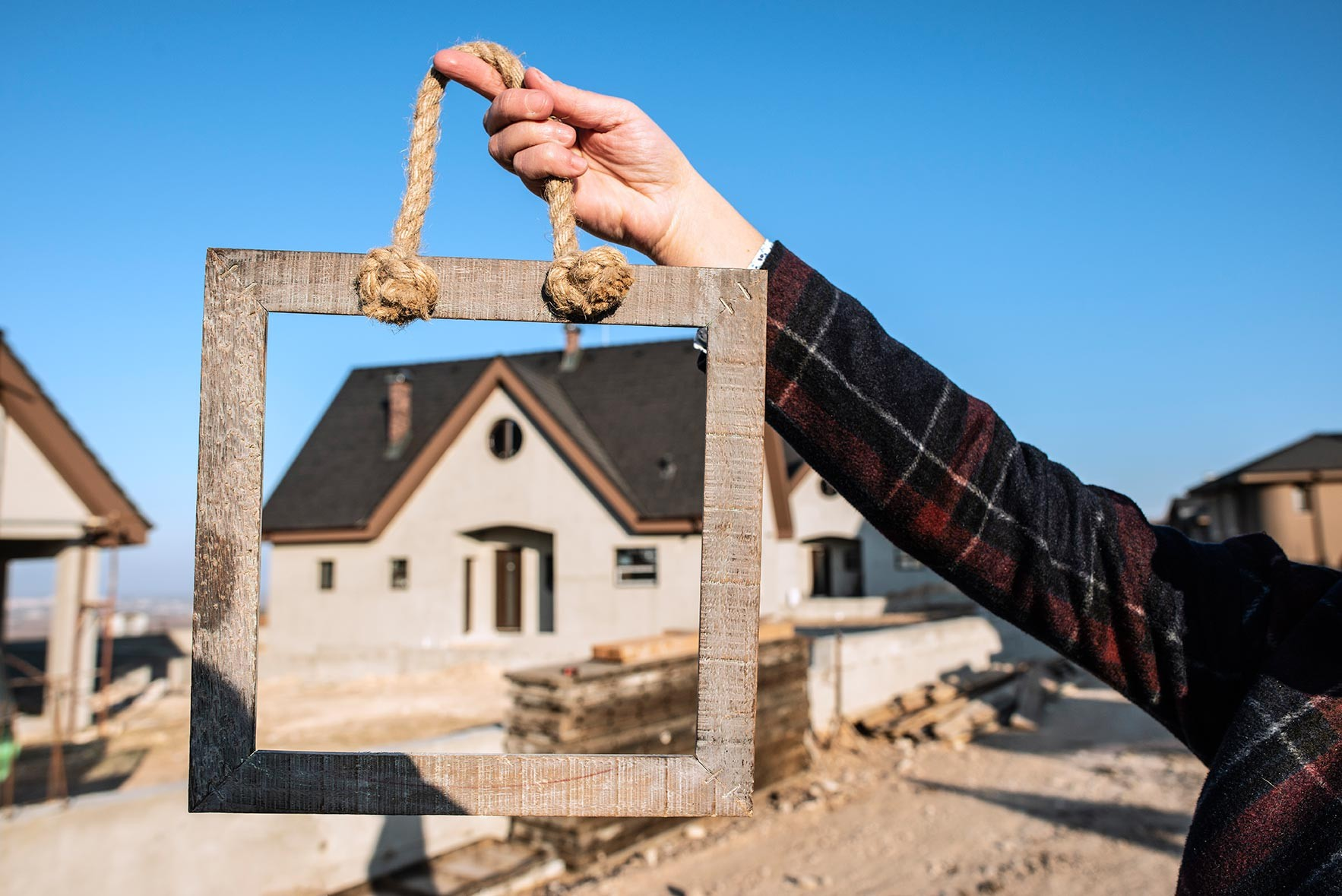 MDH Construction is home construction company that can build your dream home
