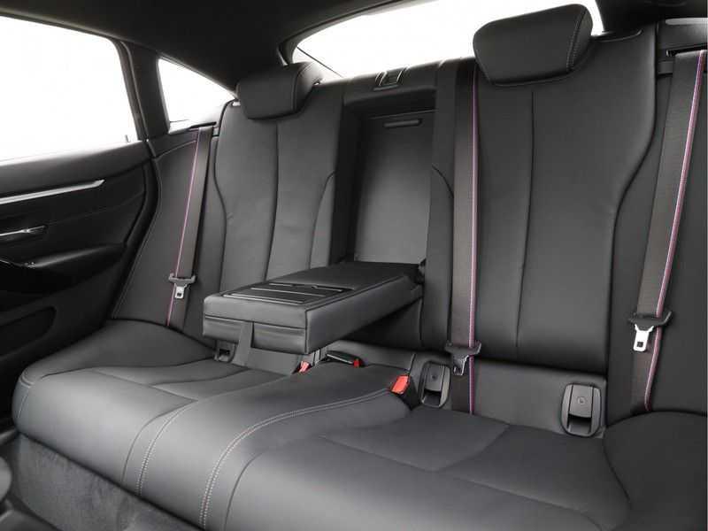 BMW 4 Serie Gran Coupé 430i High Executive M-sport afbeelding 14