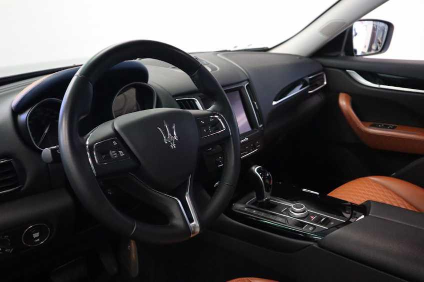 """Maserati Levante 3.0 V6 D AWD STARTECH UNIEK! Panoramadak Diamond Leder Xenon 21""""LM 275 PK! *tot 24 maanden garantie (*vraag naar de voorwaarden) afbeelding 12"""