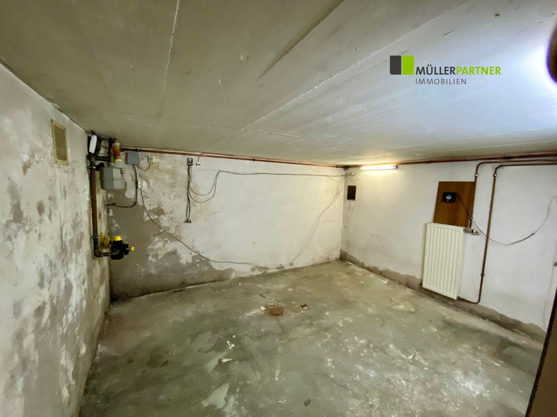 Sanierungsbedürftiges Einfamilienhaus mit Ladenlokal in stadtnaher Lage von Alsdorf
