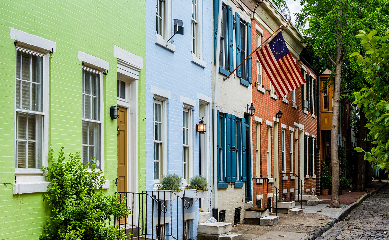 colorful row houses in philadelphia