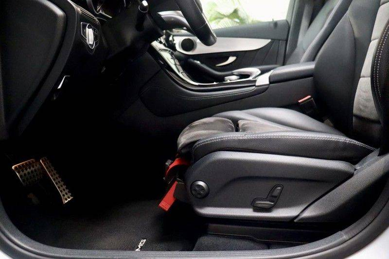 Mercedes-Benz GLC 250 4MATIC Premium Plus AMG PANO Night afbeelding 12