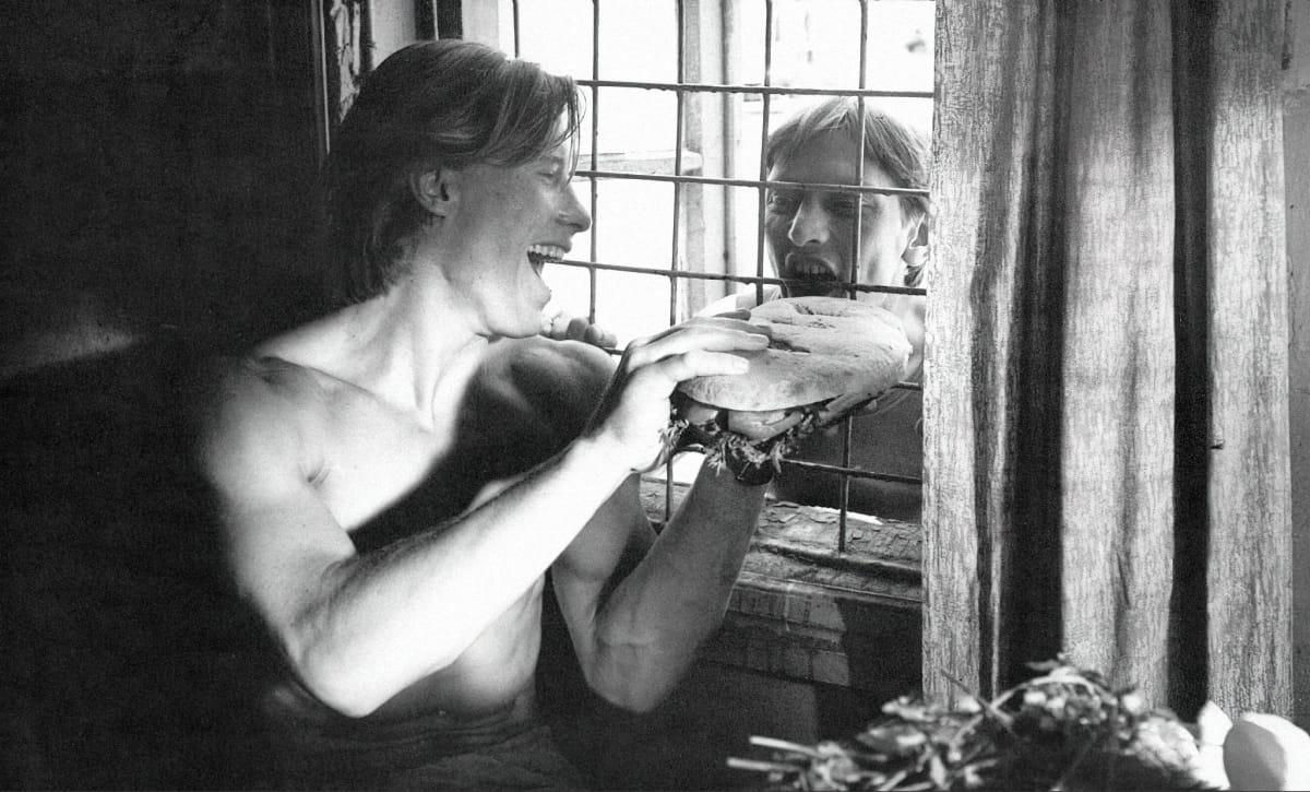 Кадр изфильма Александра Сокурова «Дни затмения», 1988. Источник: imdb.com