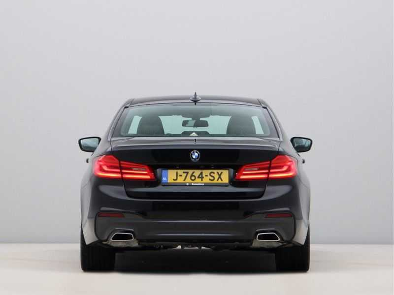 BMW 5 Serie 520i High Exe Aut. M-Sport afbeelding 10