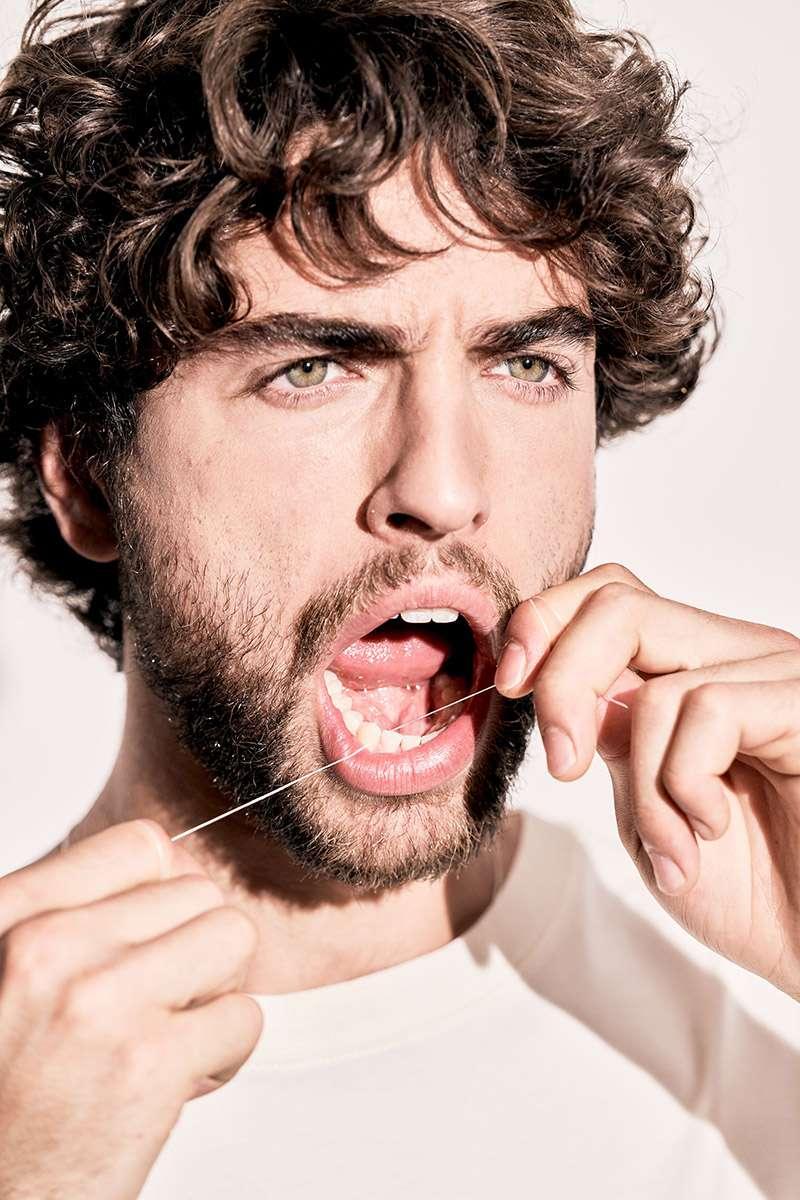 Mundhygiene: Zahnseide für gesunde Zähne