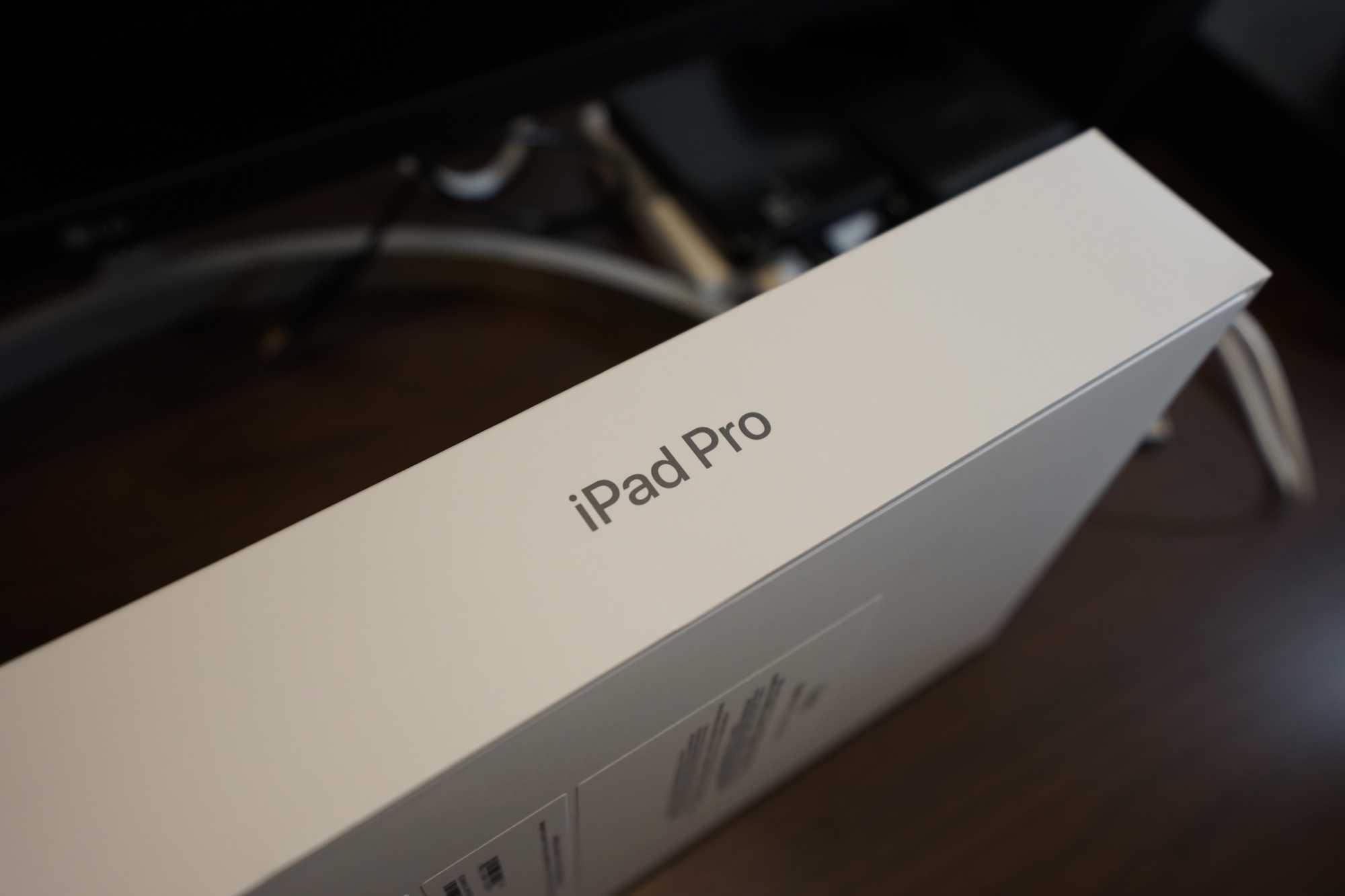 iPad Pro 11-inch Box
