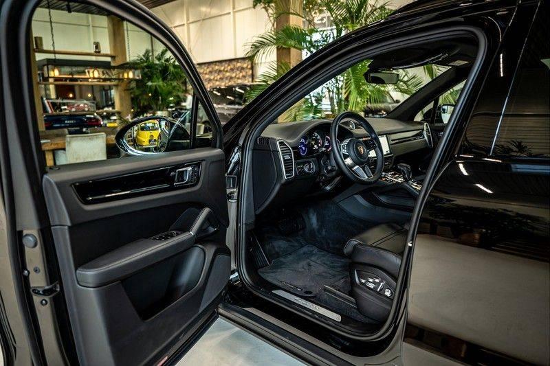 Porsche Cayenne 3.0 E-Hybrid   Panorama   Memory   360 gradencamera   Sport Chrono   DAB afbeelding 12