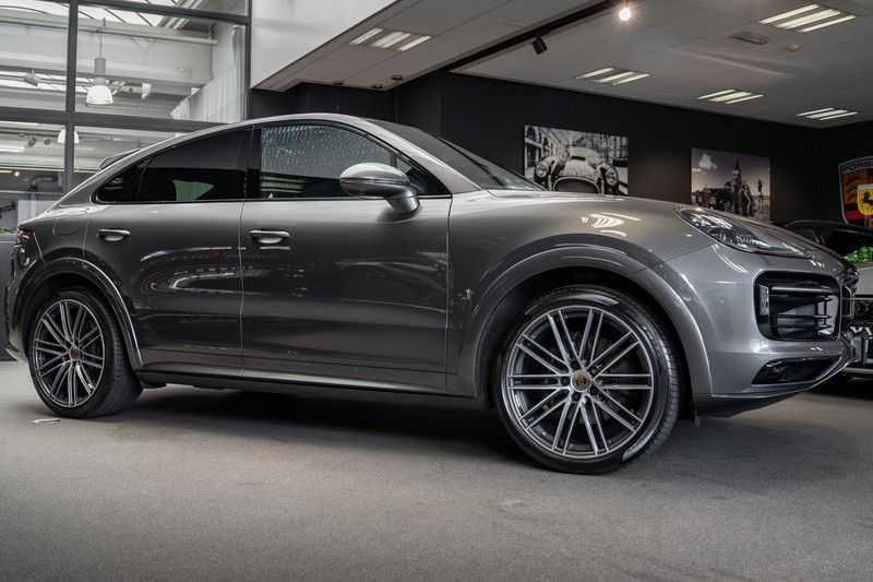 Porsche Cayenne Coupé Hybrid Sport Design Hoogglans 22' Adaptieve Sport Stoelen ACC Surround 3.0 E-Hybrid afbeelding 9
