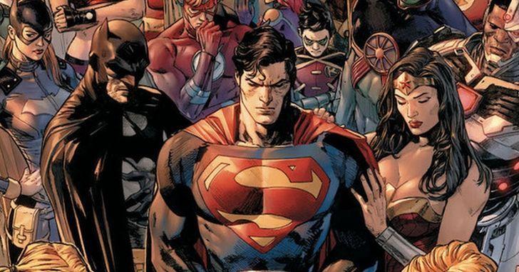 Superman, Batman e Mulher-Maravilha em Capa da revista Heróis em Crise da DC Comics