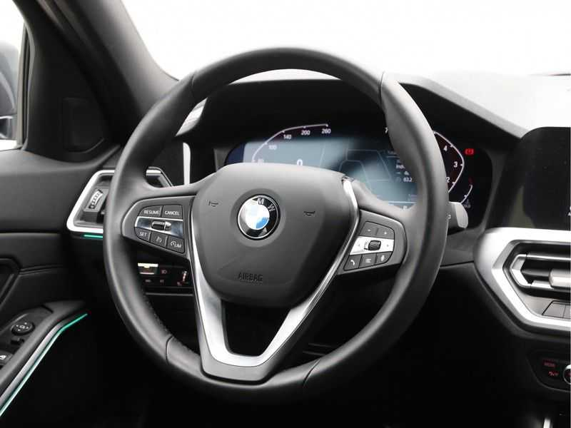 BMW 3 Serie Touring 330i Executive Edition afbeelding 11