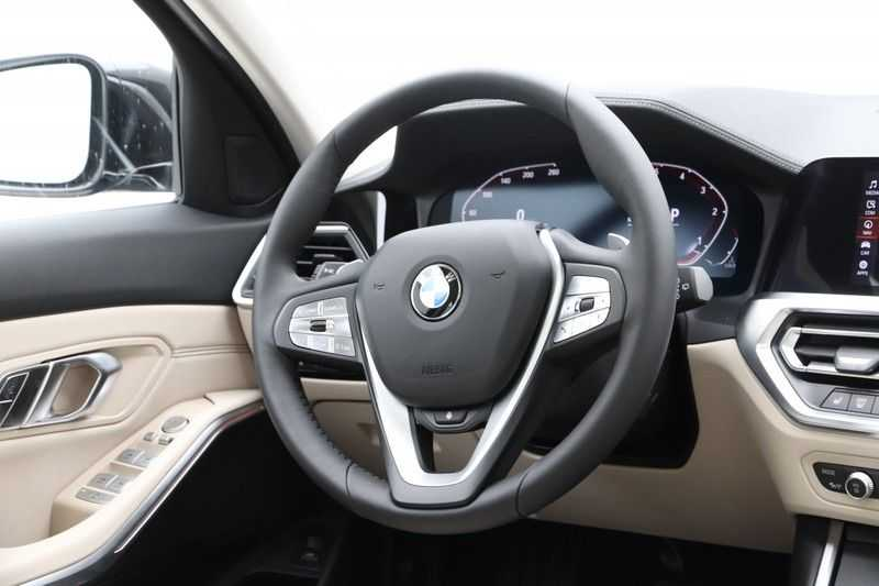 BMW 3 Serie Touring 320d Luxury Line High Executive afbeelding 8