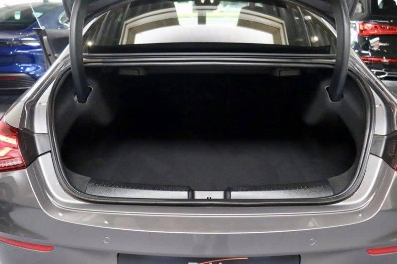 Mercedes-Benz CLA-Klasse 220 Premium Plus AMG|NIGHT|PANO|TREKHK Mercedes-Benz CLA-klasse 220 Premium Plus afbeelding 17