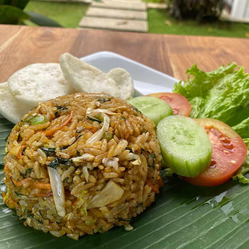 indonesian: nasi goreng sayur