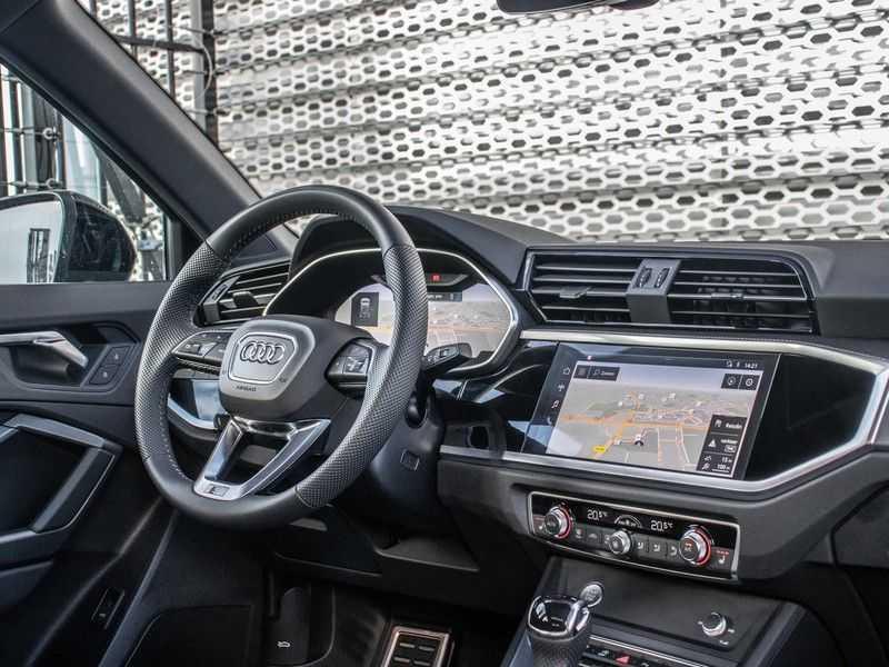 Audi Q3 40 TFSI quattro S Edition | Pano. dak | Stoelverwarming | Adaptive cruise | B&O sound | Trekhaak | afbeelding 3