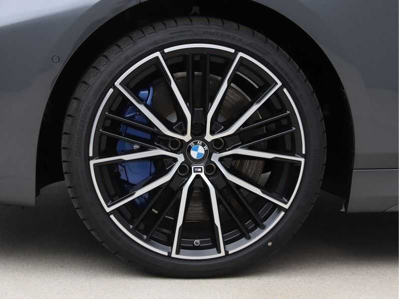 BMW 1 Serie 118i High Exe. M-Sport afbeelding 22