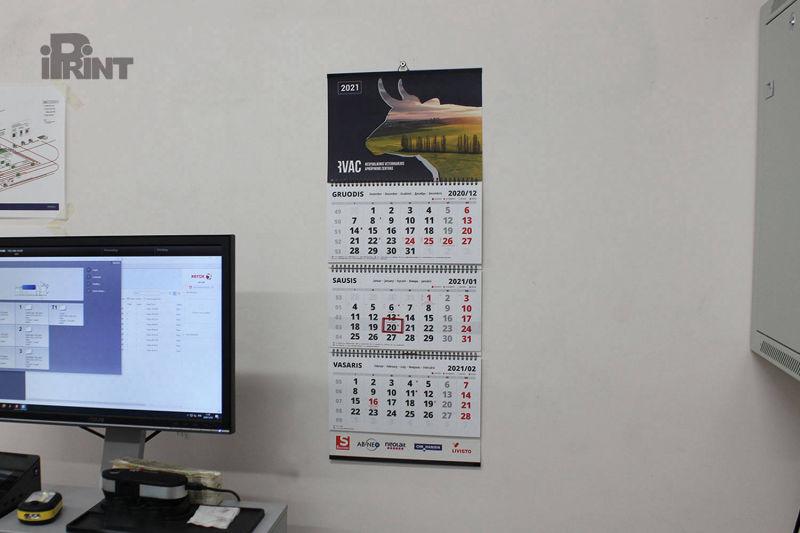Kalendorius ant sienos