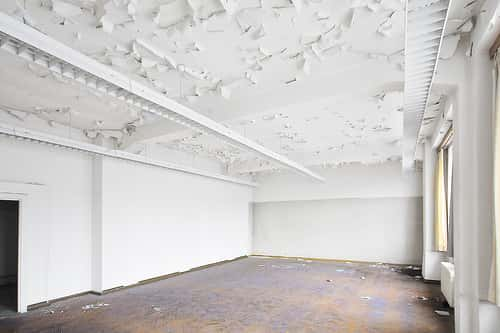 An empty, unrenovated room
