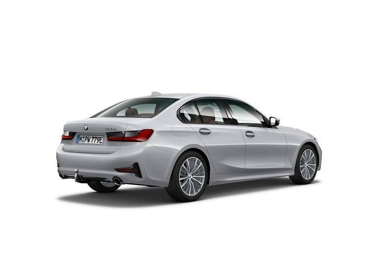 BMW 3 Serie 330e eDrive Edition Sport Line afbeelding 2