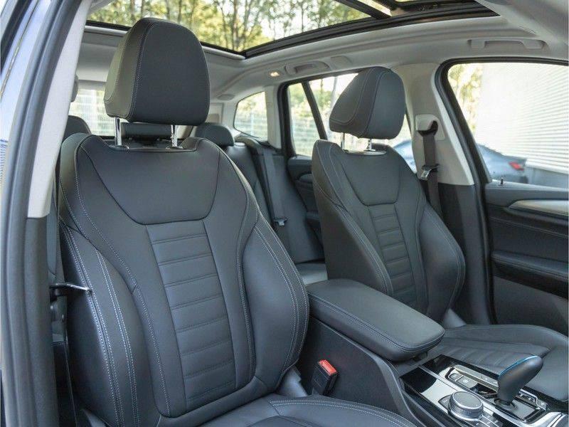 BMW iX3 High Executive - Direct Beschikbaar! afbeelding 16