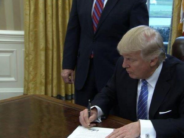 TPP탈퇴, 정계 평가 엇갈려