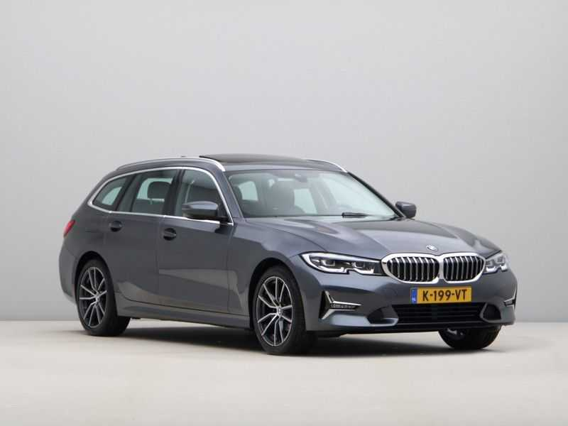 BMW 3 Serie Touring 320d High Executive Edition afbeelding 9