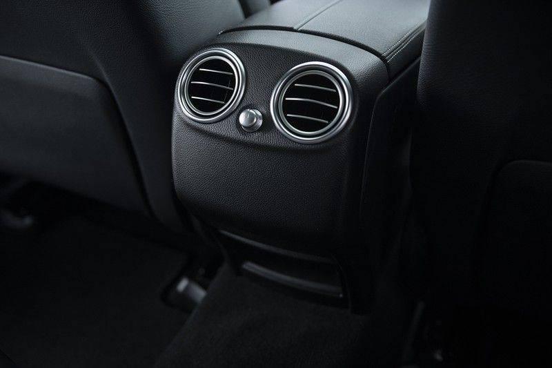 Mercedes-Benz GLC 350d AMG 4MATIC Premium Plus GLC Apple CarPlay + Verwarmde stoelen + Elektrische trekhaak + Panorama Dak afbeelding 17