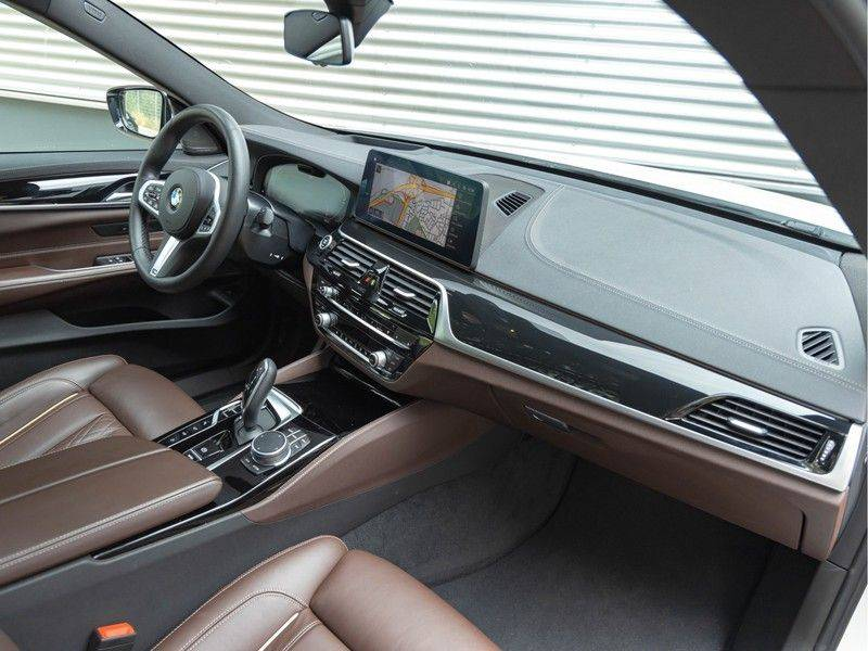 BMW 6 Serie Gran Turismo 630i High Executive - M-Sport - Luchtvering - Facelift - Panorama afbeelding 14