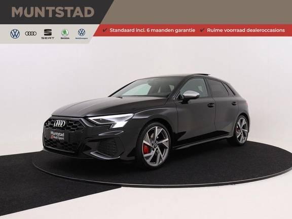Audi S3 Sportback 2.0 TFSI 310PK Quattro | Verlengde fabrieksgarantie | B&O Soundsystem | Navigatiesysteem | Cruise control adaptief | Panorama-dak | 19'' | Achteruitrijcamera | Rode remzadels en stiknaden