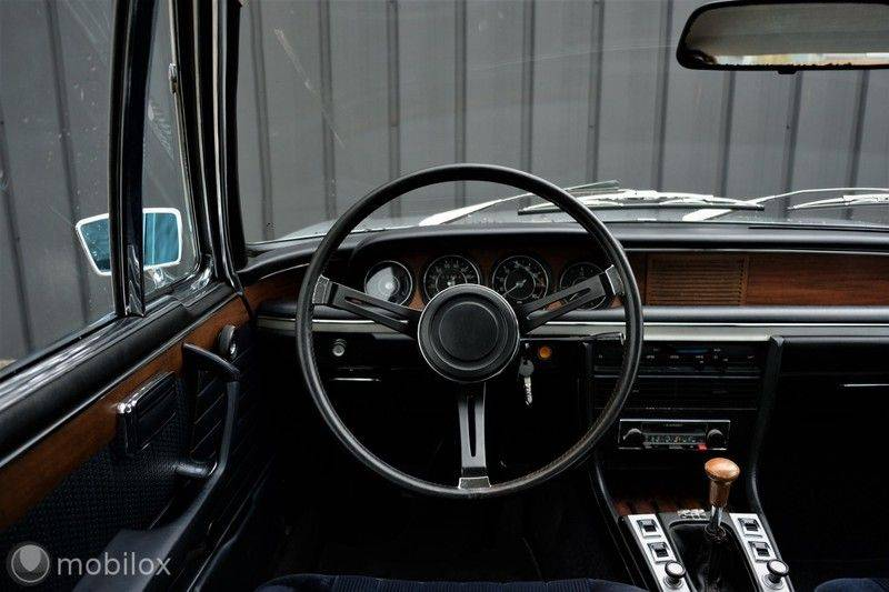 BMW 3.0 CSi coupé | Handgeschakeld | Gerestaureerd afbeelding 24