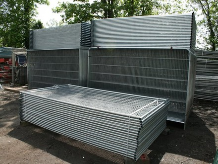 Do You Need to Buy or Hire Your Temporary Fencing?