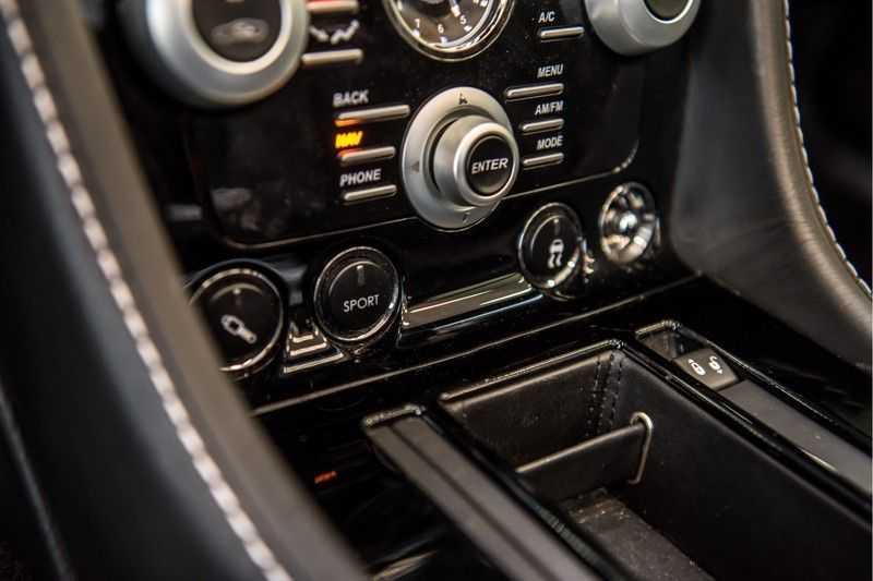 Aston Martin DBS Volante 6.0 V12 Black Carbon Edition afbeelding 24