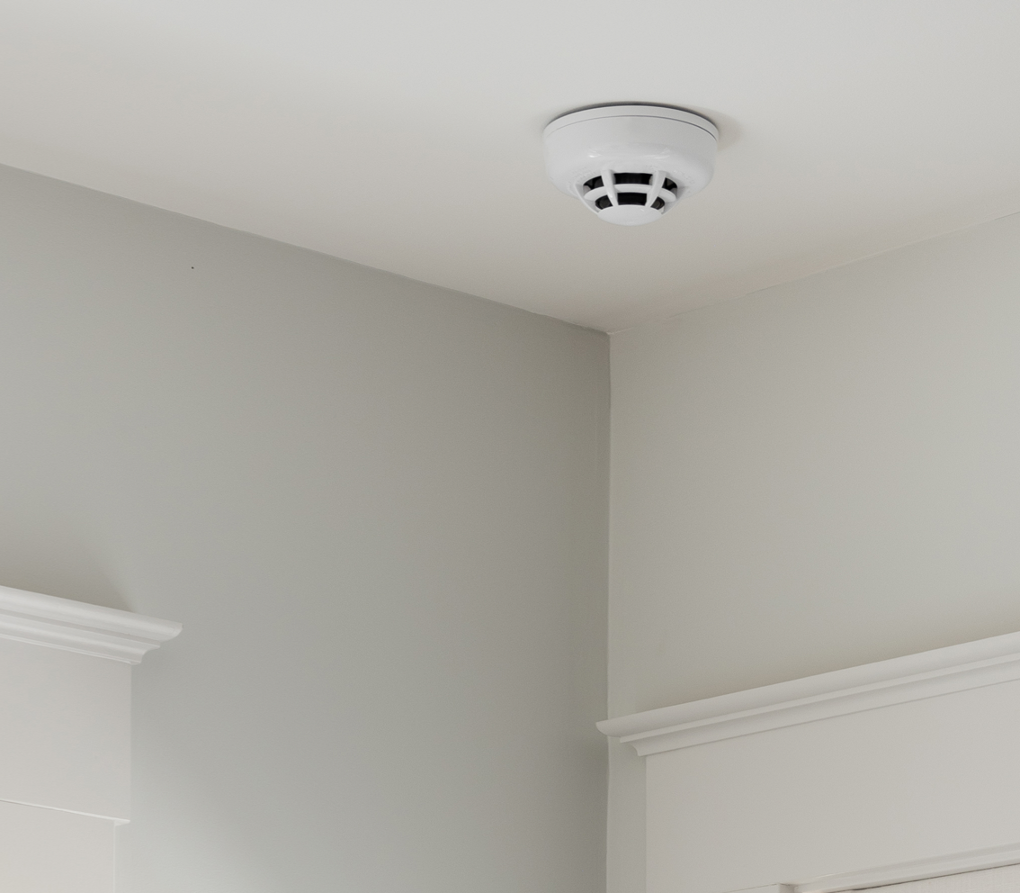 Smoke Detector mounted in ceiling