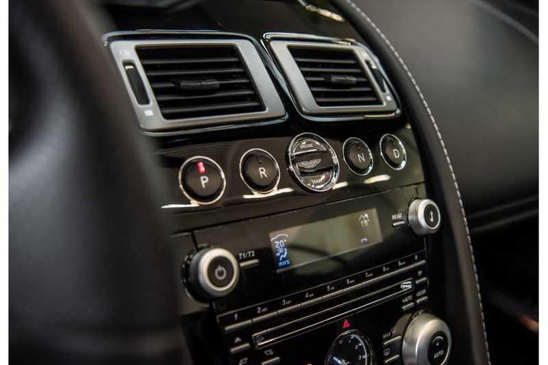 Aston Martin DBS Volante 6.0 V12 Black Carbon Edition afbeelding 12