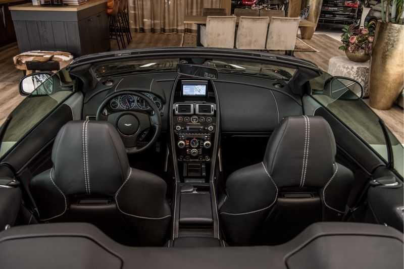 Aston Martin DBS Volante 6.0 V12 Black Carbon Edition afbeelding 17
