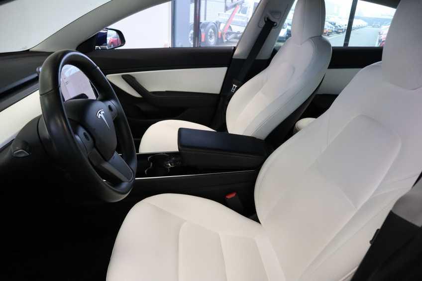 """Tesla Model 3 Long Range EX BTW 4% Bijtelling Navi Leder 18""""LM Blauw wit afbeelding 14"""